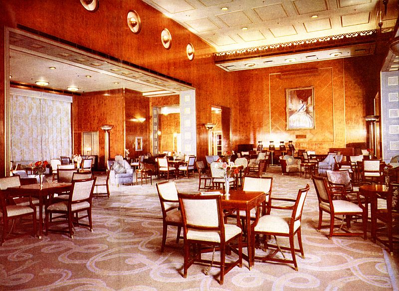RMS-Queen-Elizabeth-F-Main-Lounge